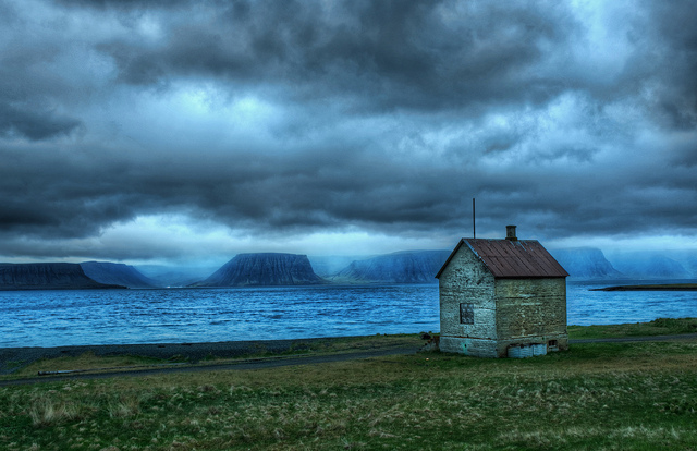 Lonely Fishing Hut - Long term Travel