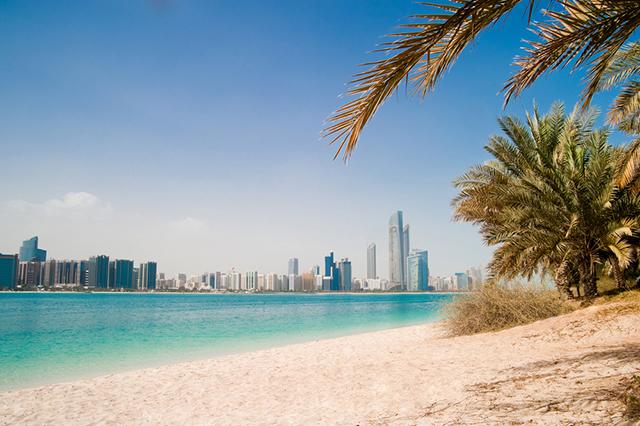 Long Term Travel - Going to Dubai - Dubai Beaches