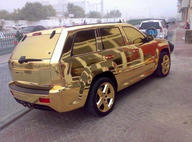 Long Term Travel - Going to Dubai - Crazy cars